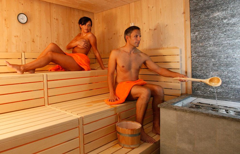 Секс видео проституток в русских саунах банях 22